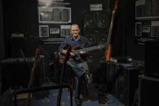 Wayne Jones AUDIO - Melbourne Guitar Show - Bass Speaker Cabinets, Powered Bass Cabinets, Bass Player, Powered Speaker Cabinets, Valve Bass Pre-Amp, WJBP Stereo Valve Bass Pre-Amp, Powered Bass Speakers, Bass Speakers, Bass Guitar, Bass Guitar Speakers.