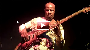 Kevin Walker bass guitar solo 2009