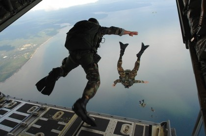 Special forces sky diving