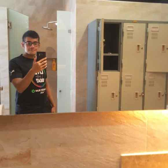 Boxing King Muay Thai - locker and showers