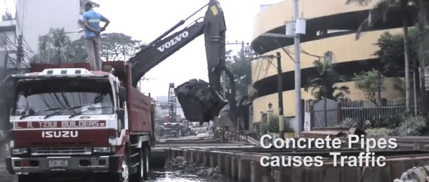Concrete Pipes Causes Traffic 1