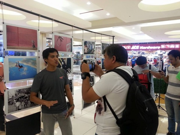 ted claudio of wazzup.ph interviewing Melvin Anore of Street Photography Philippines