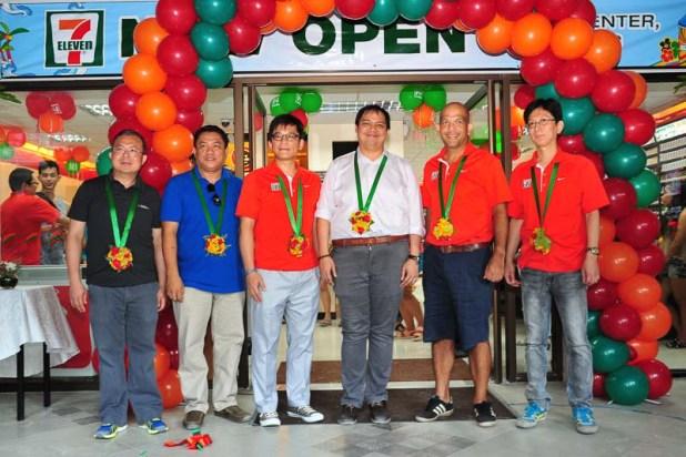 711 store in Boracay-5216