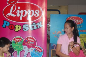 Lipps PopStix sponsored in  Nickelodeon's Bikini Bottom Buddy Roundup