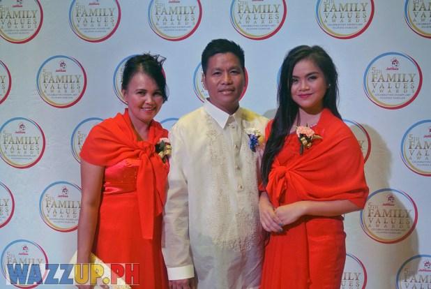 Jolibee 5th Family Values Award Philippines Joseph Tanbuntiong President Blog Blogger Duane Bacon Basa