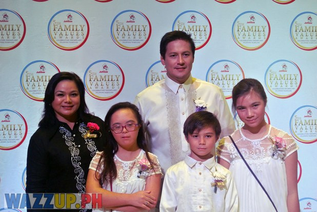 Jolibee 5th Family Values Award Philippines Joseph Tanbuntiong President Blog Blogger Duane Bacon Medoza