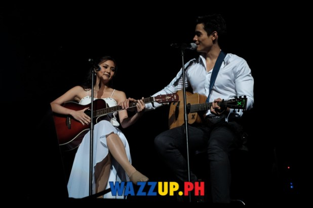 A Date with Xian Lim Concert  - Little Things Duet and Kiss by Kimxi