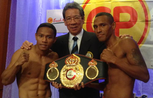 FLASH: Porpramook and Perez made the weigh in Thailand