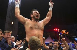 Chagaev wins WBA heavyweight title with majority decision over Oquendo