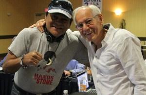Roberto Durán con Gilberto Mendoza presidente de la AMB