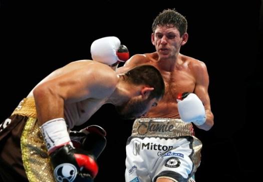 McDonnell KOs Vargas to Retain Title