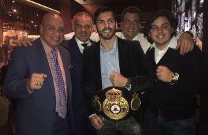 Jorge Linares recibió su cinturón de campeón