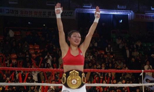 Hyun Mi Choi keeps her WBA title