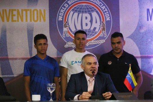 Mendoza and Boxing Stars Show the Positive Side of Boxing