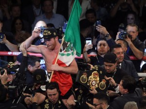 Canelo wins MD to become new WBA Super Champion