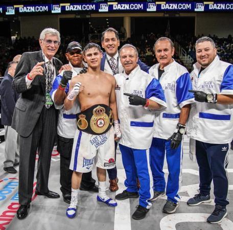 Daniel Roman retains WBA title with stoppage victory