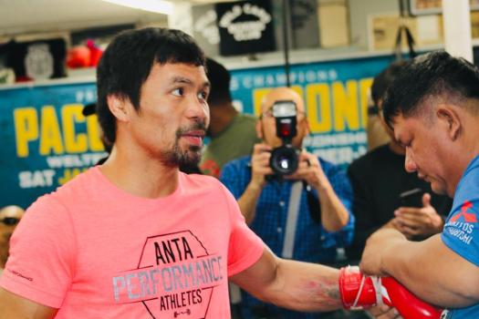Pacquiao defends his WBA crown against Broner