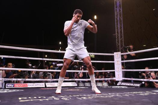 Joshua-Pulev in clash of titans for the WBA Heavyweight belt