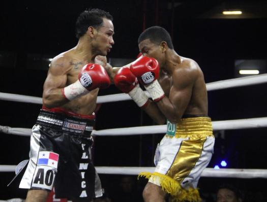 Concepción Knocks out Barrera in Panamá and becomes World Champion for the third time