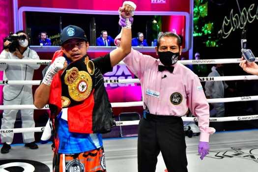 """Chocolatito"" retained his WBA Super Championship against ""Jiga"" Gonzalez"