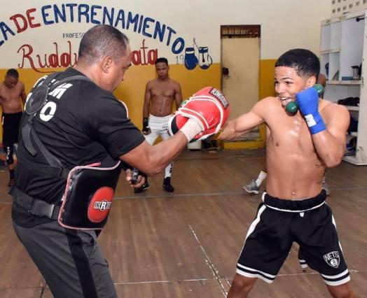 Dominican Erick Rosa targets a world title shot