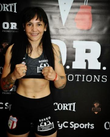 La Panterita Moneo won the WBA regional lightweight belt