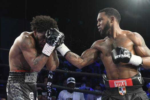 Perez defeated Valera at tribute to Gilberto Mendoza