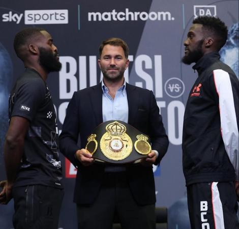 Buatsi and Dos Santos showed their weapons at press conference