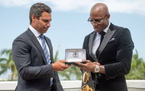 Ugás received the Key to the City of Miami