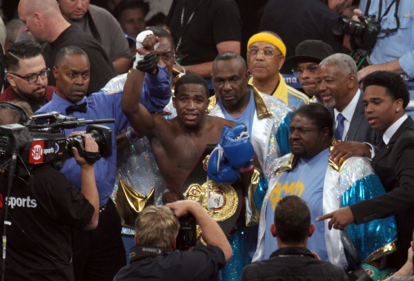 Photos: Broner vs Molina