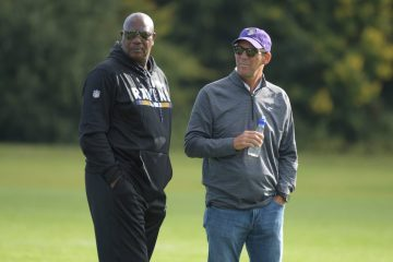 Baltimore Ravens GM Ozzie Newsome and Owner Steve Bisciotti