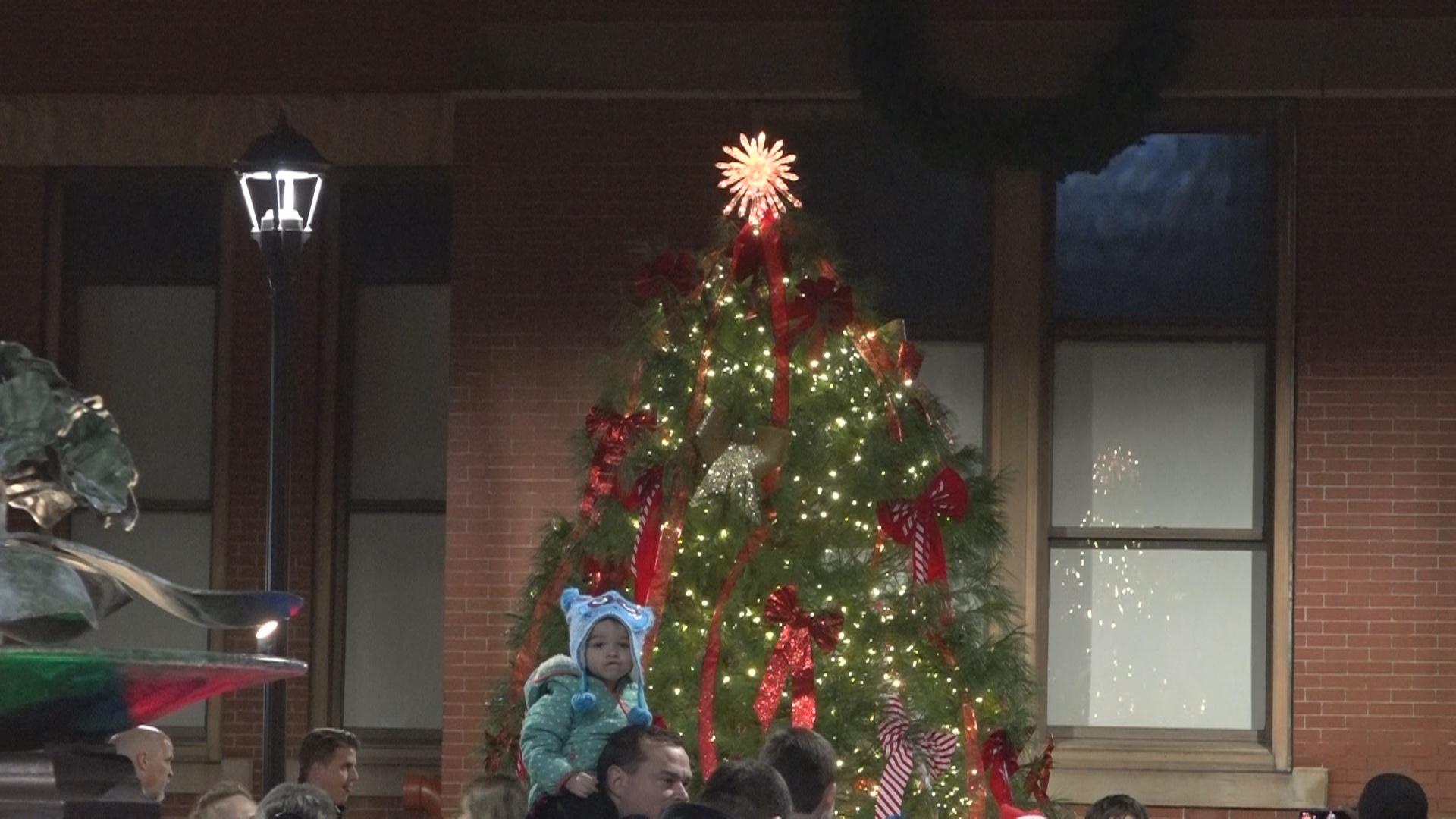 Morgantown Christmas Parade1_1543891707974.jpg.jpg