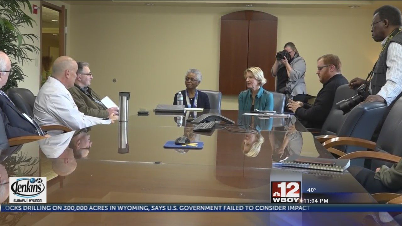 WVU researchers alongside Sen. Shelley Moore Capito meet with expert on aging