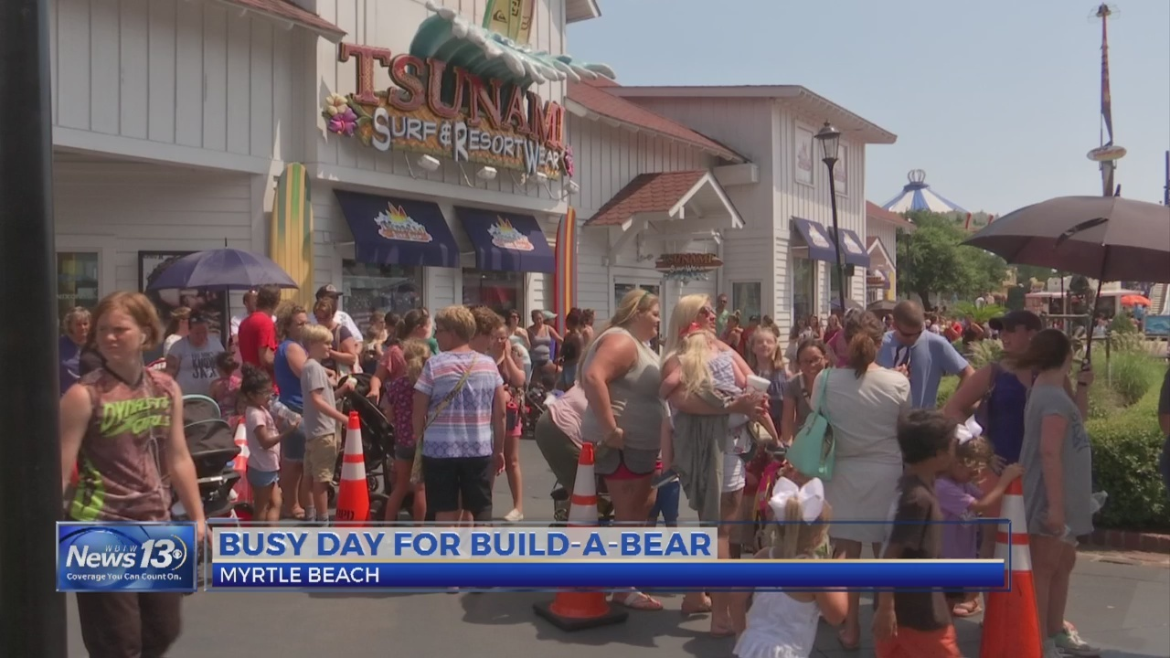 Build_a_Bear_draws_crowds_in_Myrtle_Beac_0_20180713034021