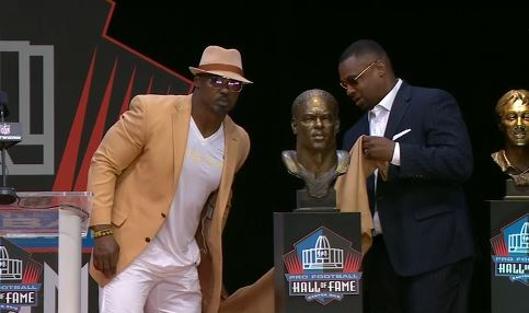 Brian Dawkins Enshrined into the NFL Hall of Fame_1533433667565.JPG.jpg