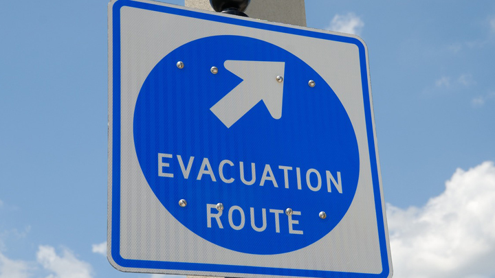 evacuation-sign-1738375_1280_1536667091701.jpg