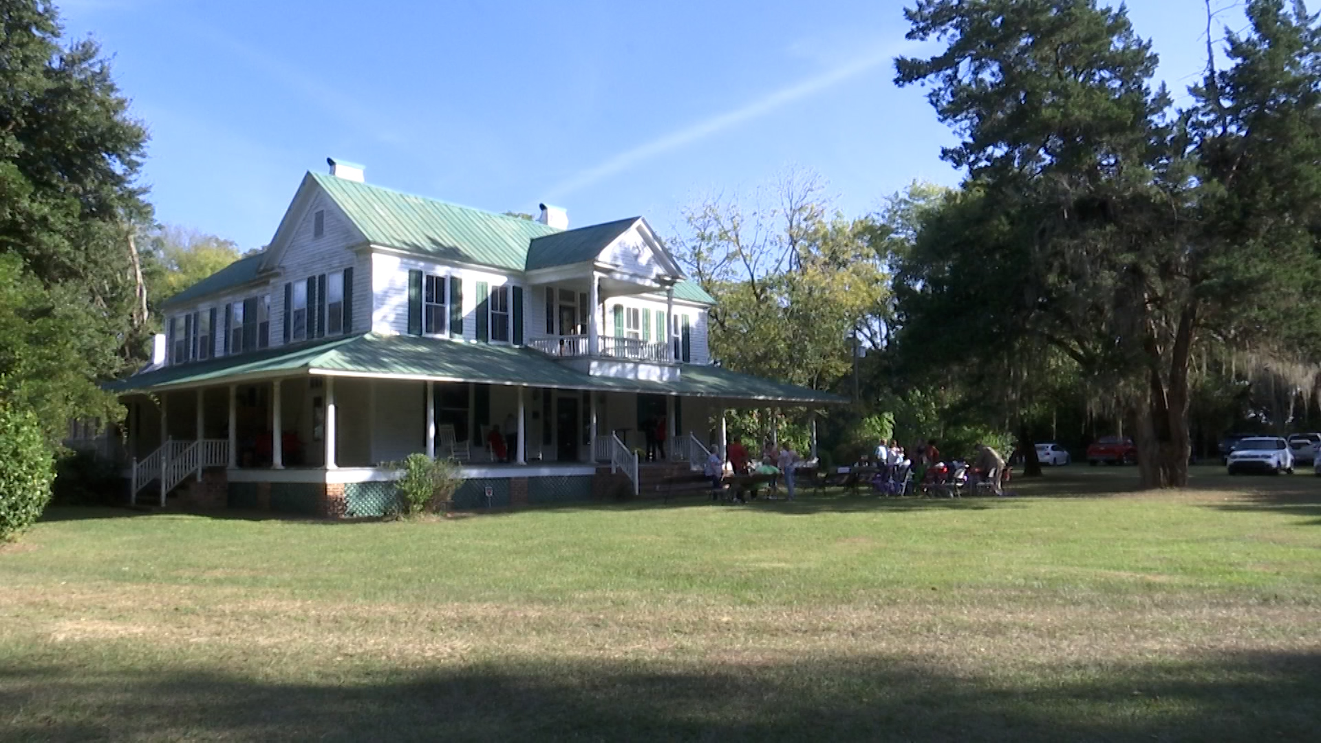 Family once divided by slavery gathers for 250th anniversary of Roseville Plantation