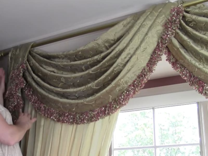 4 easy steps to hang a window scarf