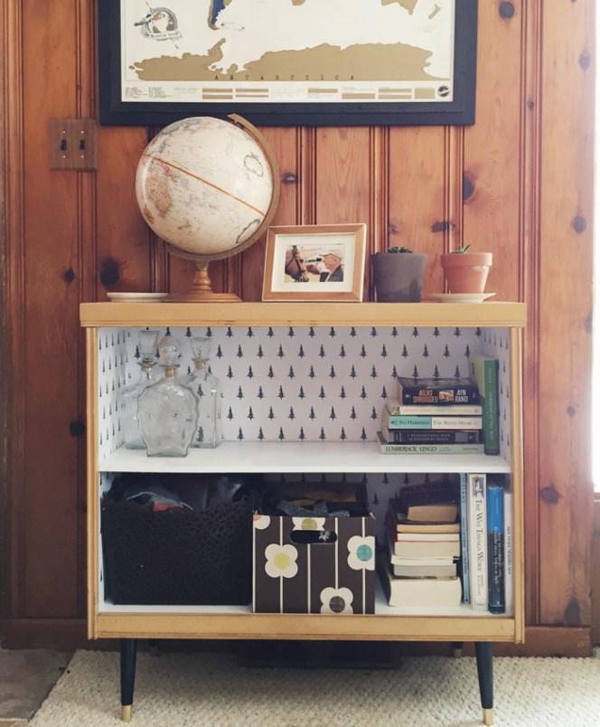 retro-bookcase-wallpaper-diy-after