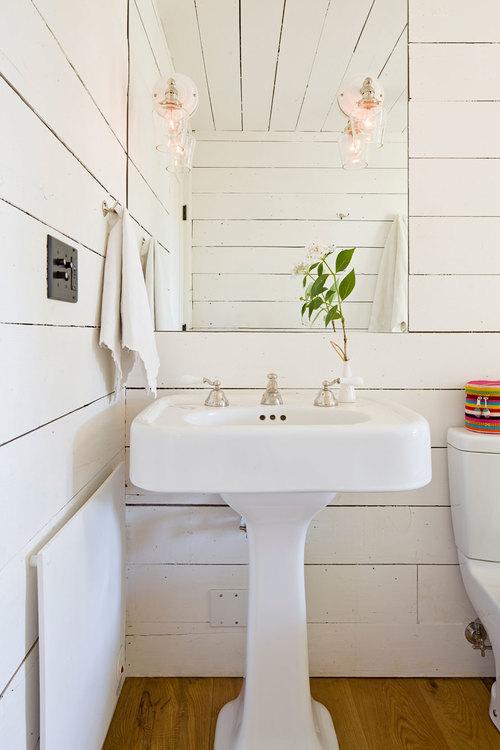 Tiny house bathroom - use of mirror area lighting