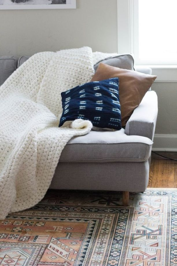 chunky-knit-throw-on-sofa