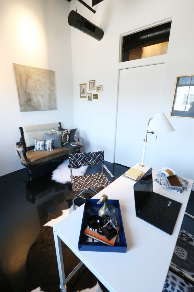 christa-pirl-office-design-black-modern-one-room-challenge