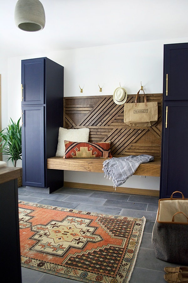 modern-navy-laundry-mud-room-reveal-26-11