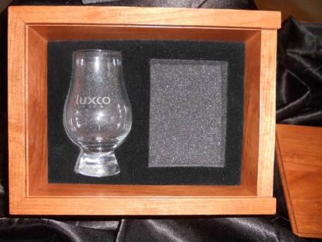 Bonus pack, liquor with glass