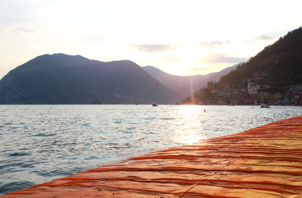 WDISTRICT_Christo_Floating Piers
