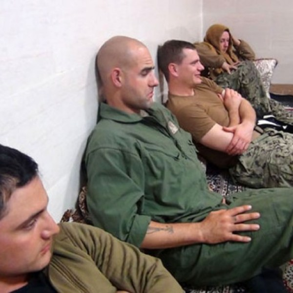 us-sailors-released-by-iran-ap-photo_136336