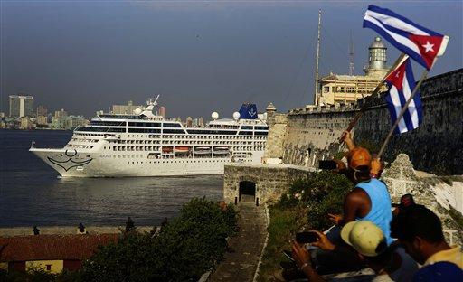 APTOPIX Cuba Cruises_157699