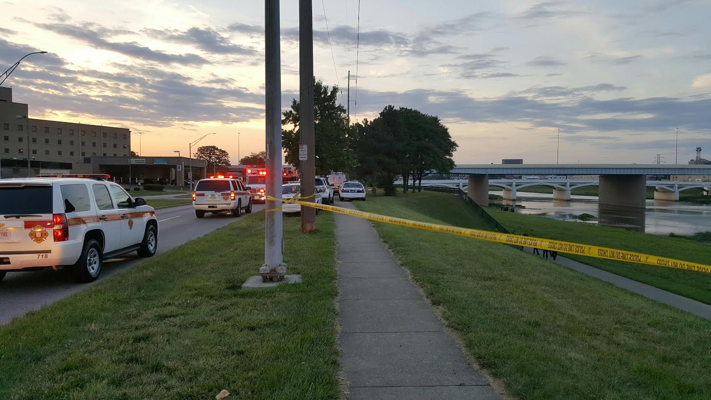 Police investigating after report of body found in Great Miami River_173272
