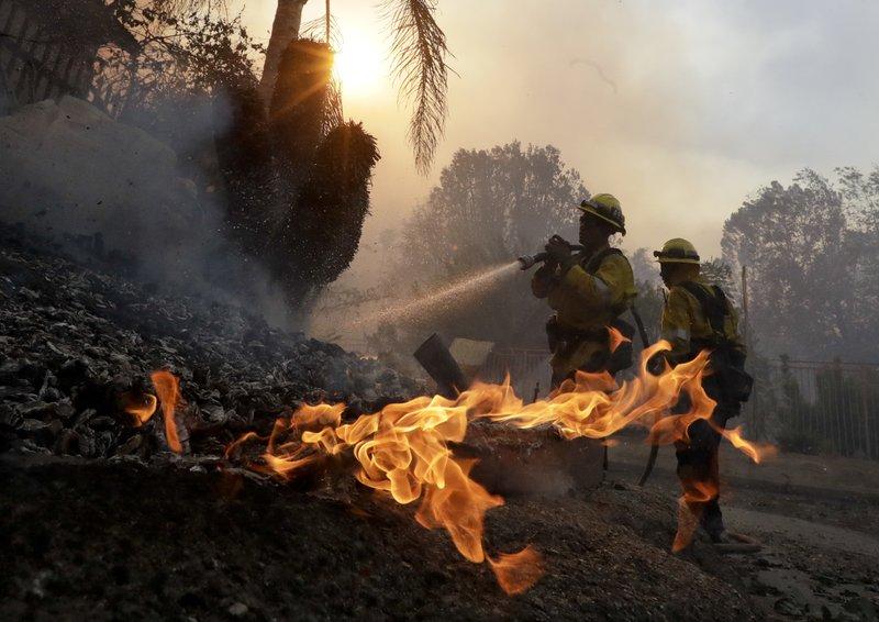 California brushfire_283738