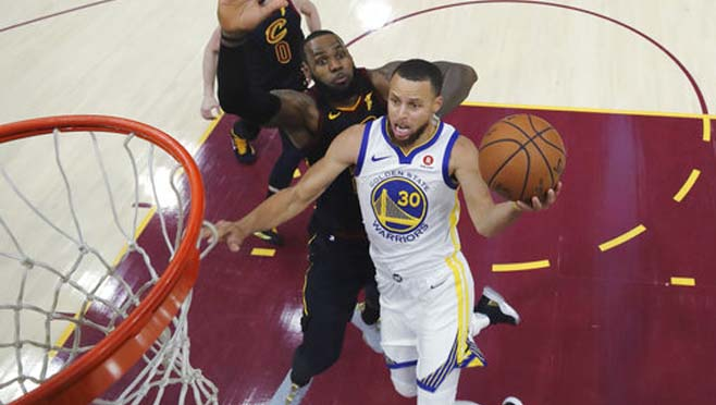 APTOPIX NBA Finals Warriors Cavaliers Basketball_1528368914428